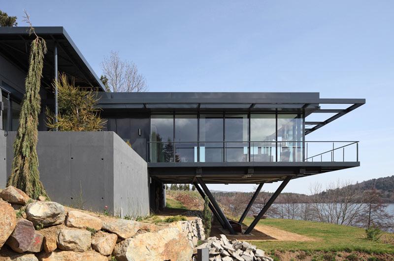 maison sur le lac 63 architecte j p reuillard sycomore logements christophe camus. Black Bedroom Furniture Sets. Home Design Ideas